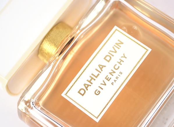 Givenchy-Dahlia-Divin-Close